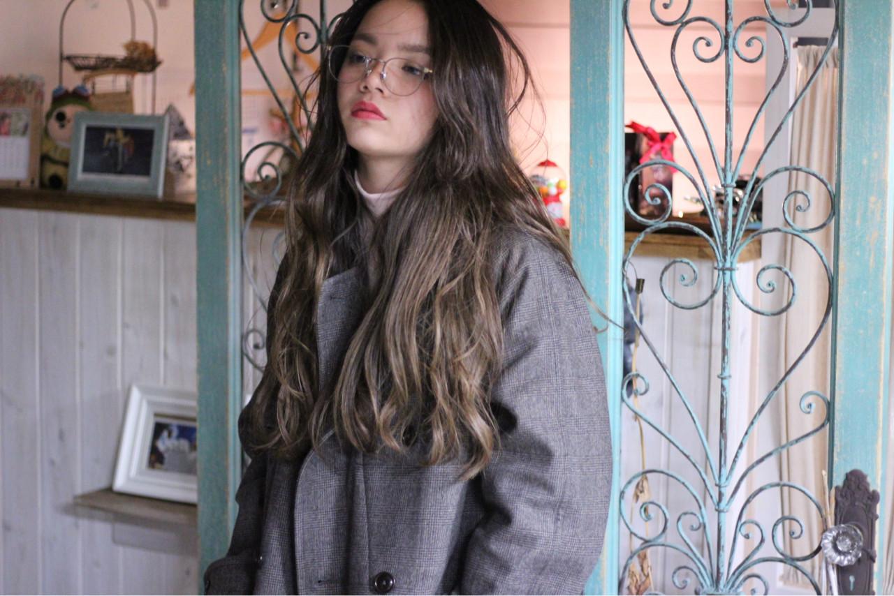ニュアンス ロング 大人女子 外国人風ヘアスタイルや髪型の写真・画像
