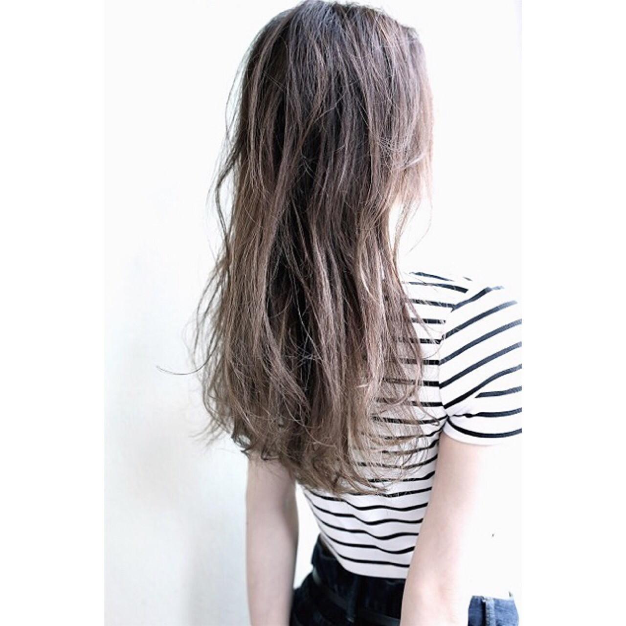 大注目の暗髪×グラデーションまとめ♡ポイントは毛先とハイライト 長谷川 裕起