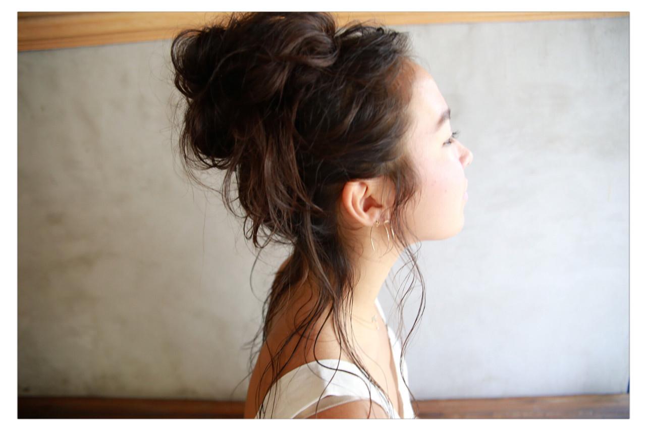 お団子 簡単ヘアアレンジ ナチュラル ヘアアレンジ ヘアスタイルや髪型の写真・画像   小野 圭介 / Salon de SADAM / Salon de SADAM (サロン ド サダム)