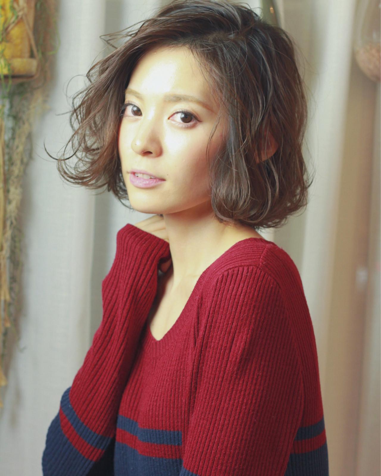 コンサバ ボブ 外ハネ ハイライト ヘアスタイルや髪型の写真・画像   須賀 ユウスケ / Rizm