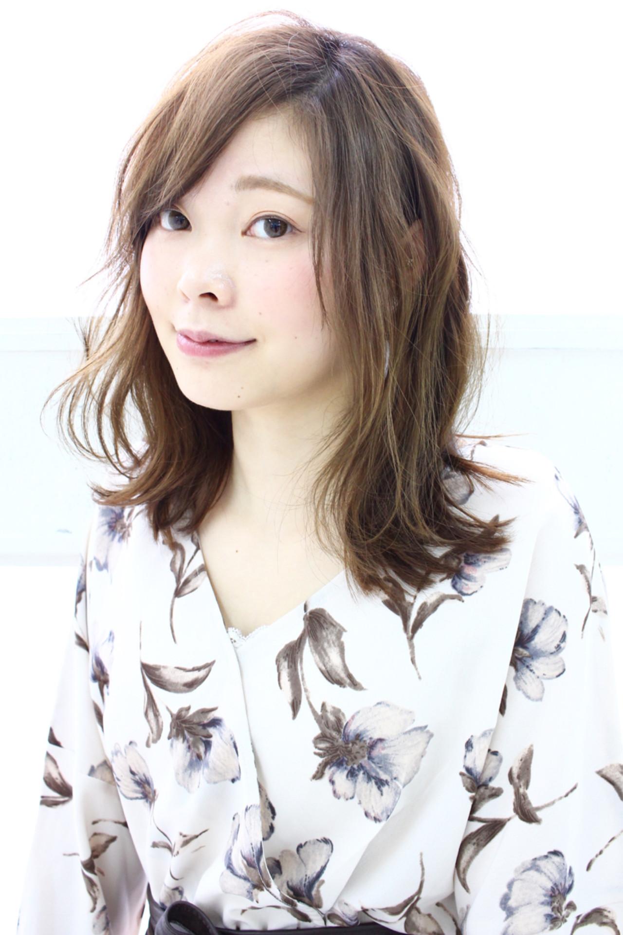 こなれ感 大人女子 ミディアム ミルクティー ヘアスタイルや髪型の写真・画像   桐山 尚之 / Hair Mode KT IKEDA