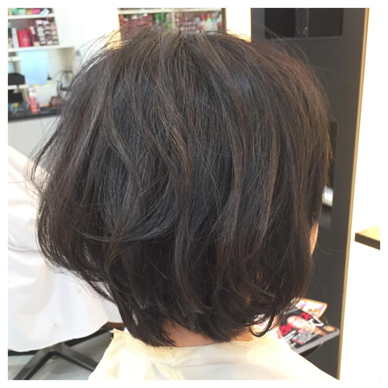 ボブ ナチュラル ハイライト ショートヘアスタイルや髪型の写真・画像