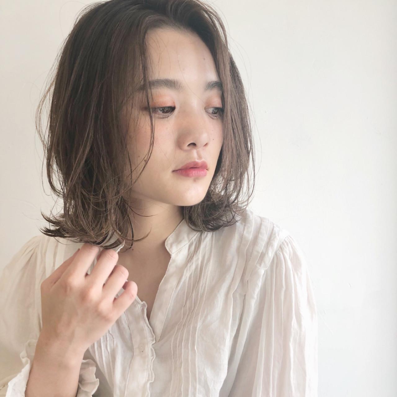 デート ナチュラル ヘアアレンジ オフィス ヘアスタイルや髪型の写真・画像 | 吉田伊織 / NEUTRAL produced by GARDEN