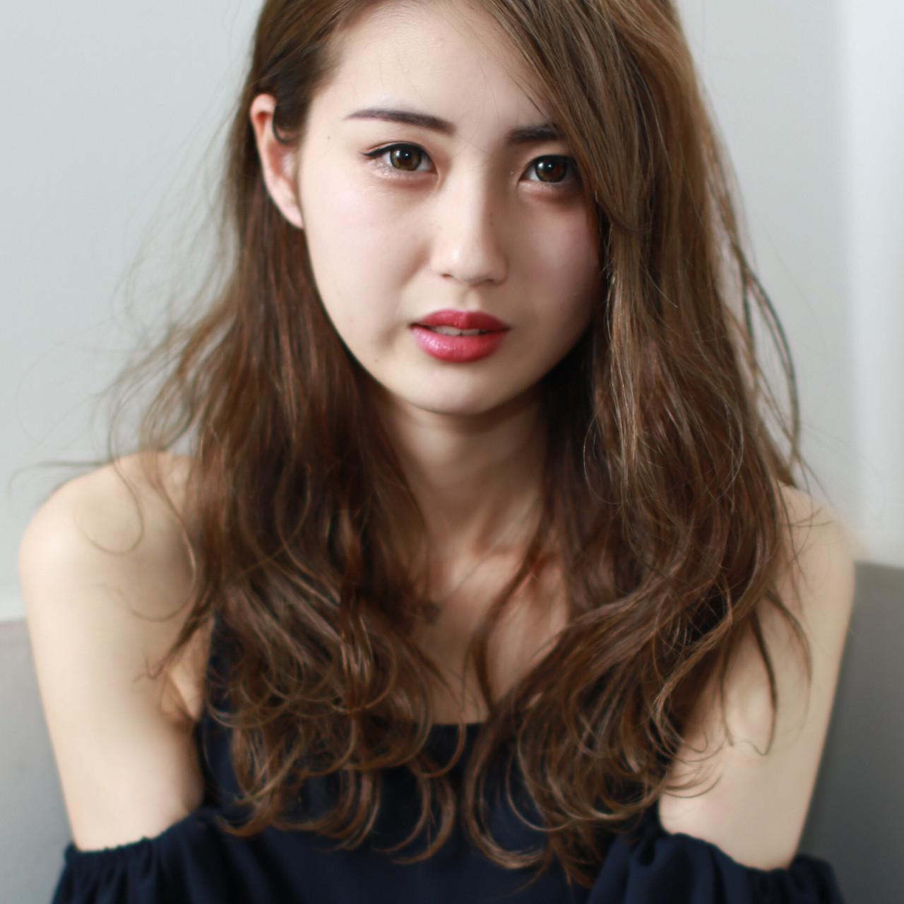 外国人風カラー セミロング ベージュ ハイライト ヘアスタイルや髪型の写真・画像 | イマムラ スナオ / LUKE