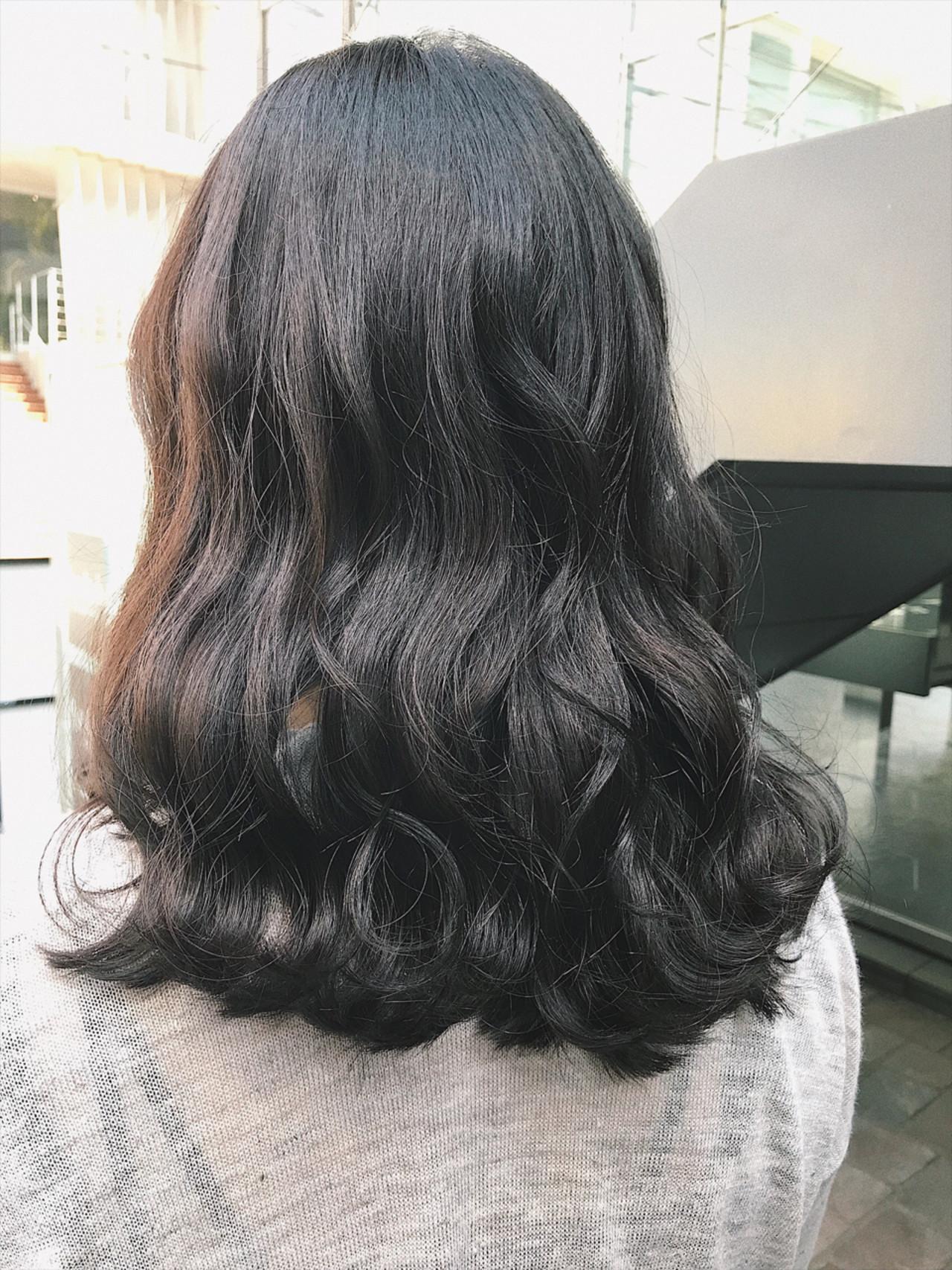 フェミニン アンニュイ ミディアム ヘアアレンジ ヘアスタイルや髪型の写真・画像 | さとうみさ / Sea by Lond 新宿