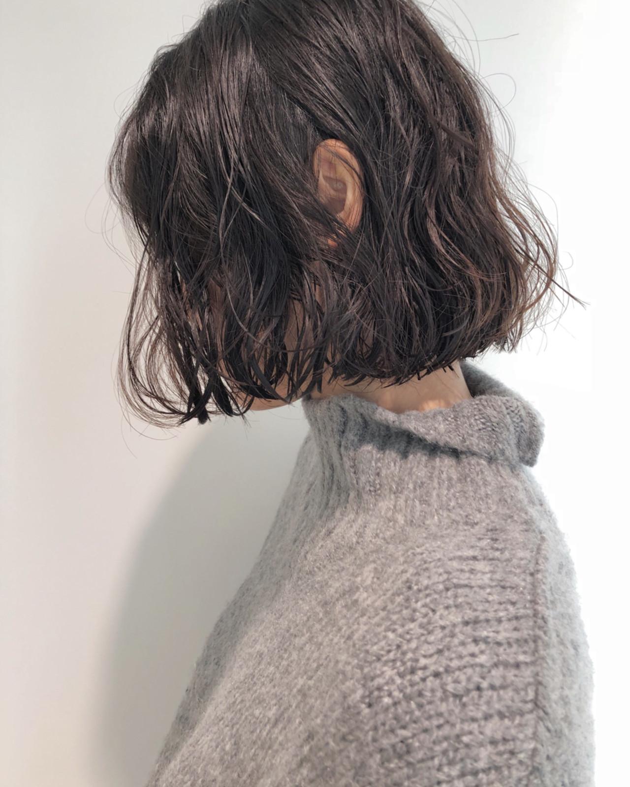 ミディアム ナチュラル 切りっぱなし ボブヘアスタイルや髪型の写真・画像