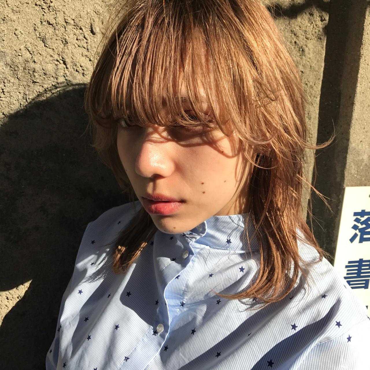 デート 色気 フリンジバング ウルフカット ヘアスタイルや髪型の写真・画像 | 小西敬二郎 / Heartim