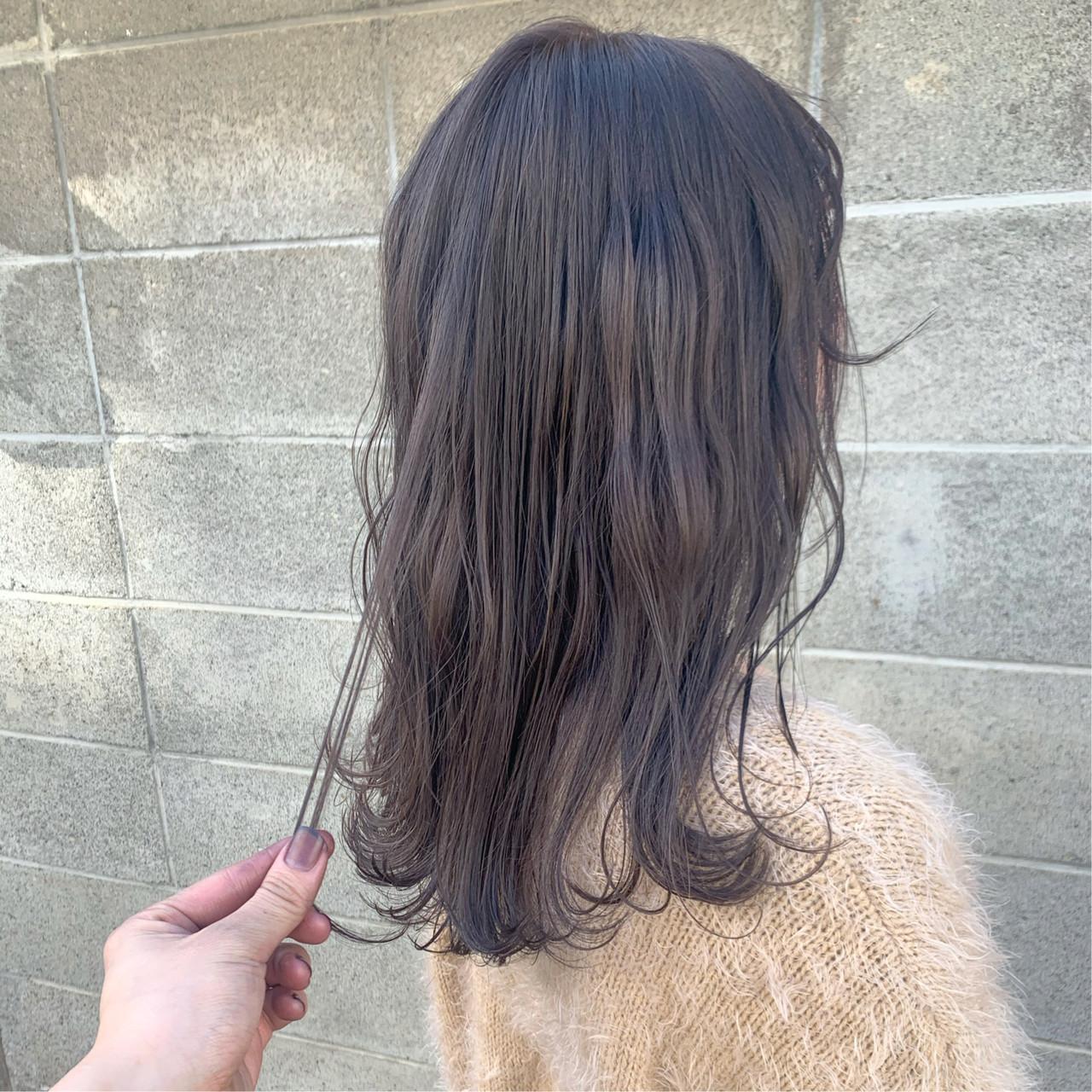 透明感カラー 透明感 セミロング ラベージュヘアスタイルや髪型の写真・画像