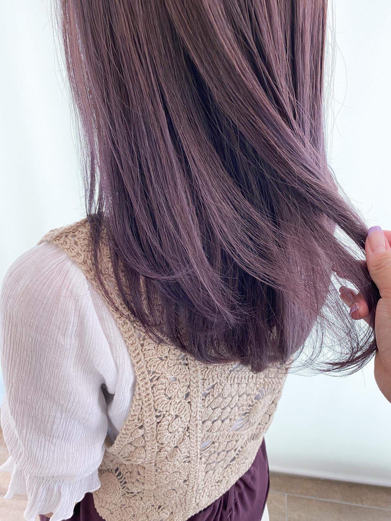 パープルカラー ナチュラル 透明感 ミディアム ヘアスタイルや髪型の写真・画像