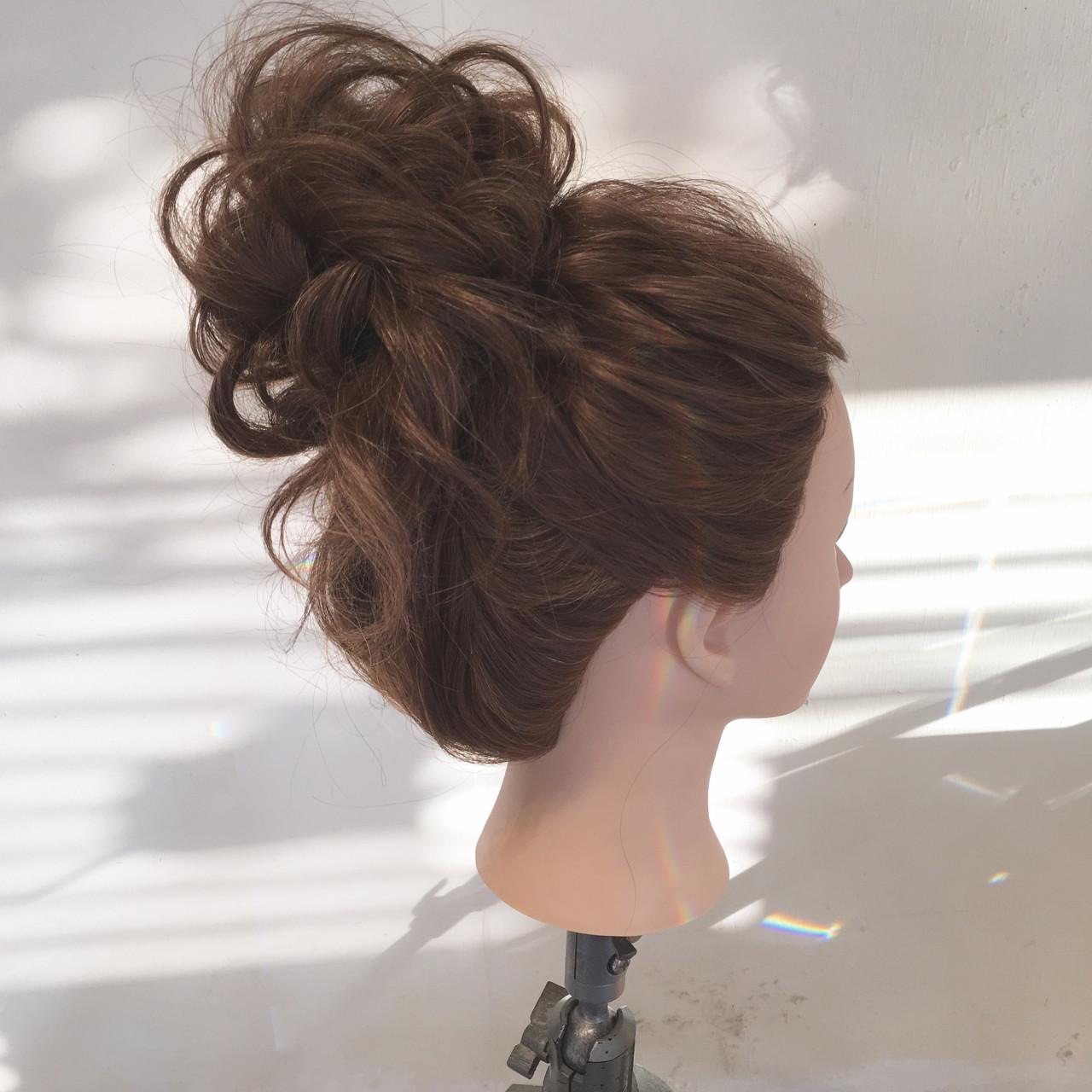 パーティ ロング 結婚式 ナチュラル ヘアスタイルや髪型の写真・画像   平川 元気 / MAPUNA