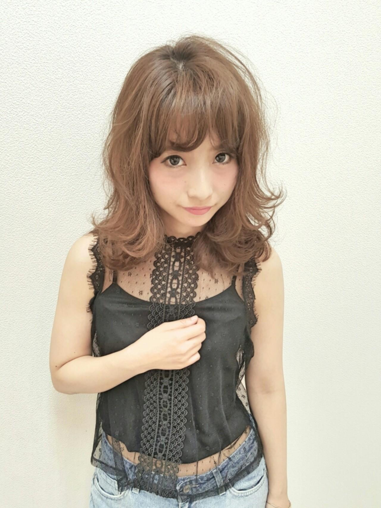 ミディアムヘアの巻き方伝授♡コテとアイロンでゆるふわに仕上げるコツ Naoko Miura / avant