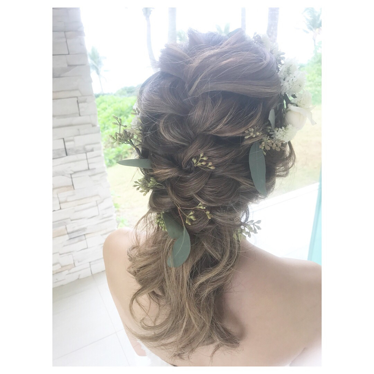 ミディアム 花嫁 アンニュイほつれヘア 結婚式 ヘアスタイルや髪型の写真・画像 | ayano ura / hairmakeFULL