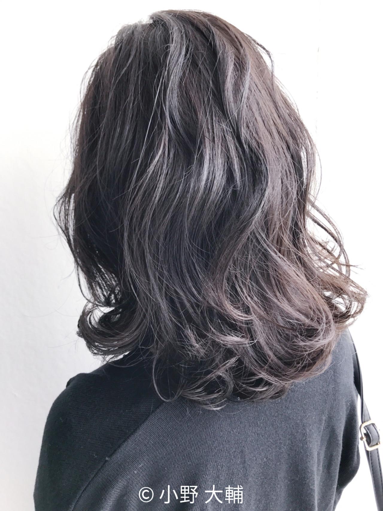 外ハネ ナチュラル アッシュ 冬 ヘアスタイルや髪型の写真・画像 | 小野 大輔 / OHIA  for plumeria