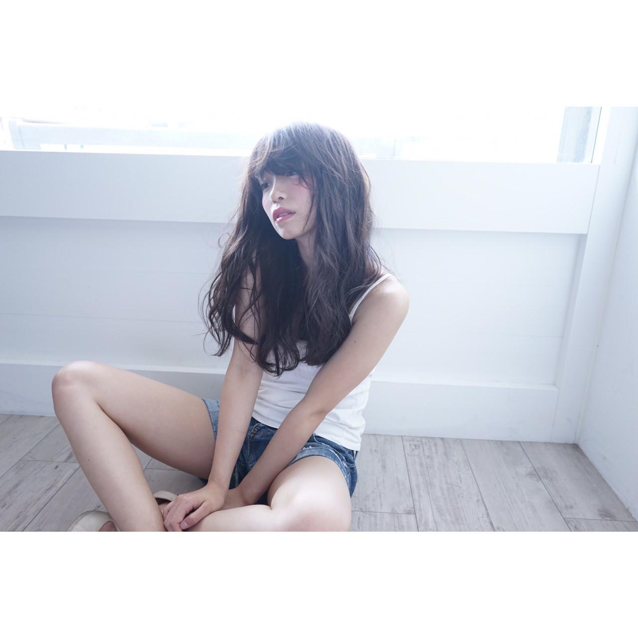 抜け感 巻き髪 ロング ナチュラル ヘアスタイルや髪型の写真・画像 | haruka /