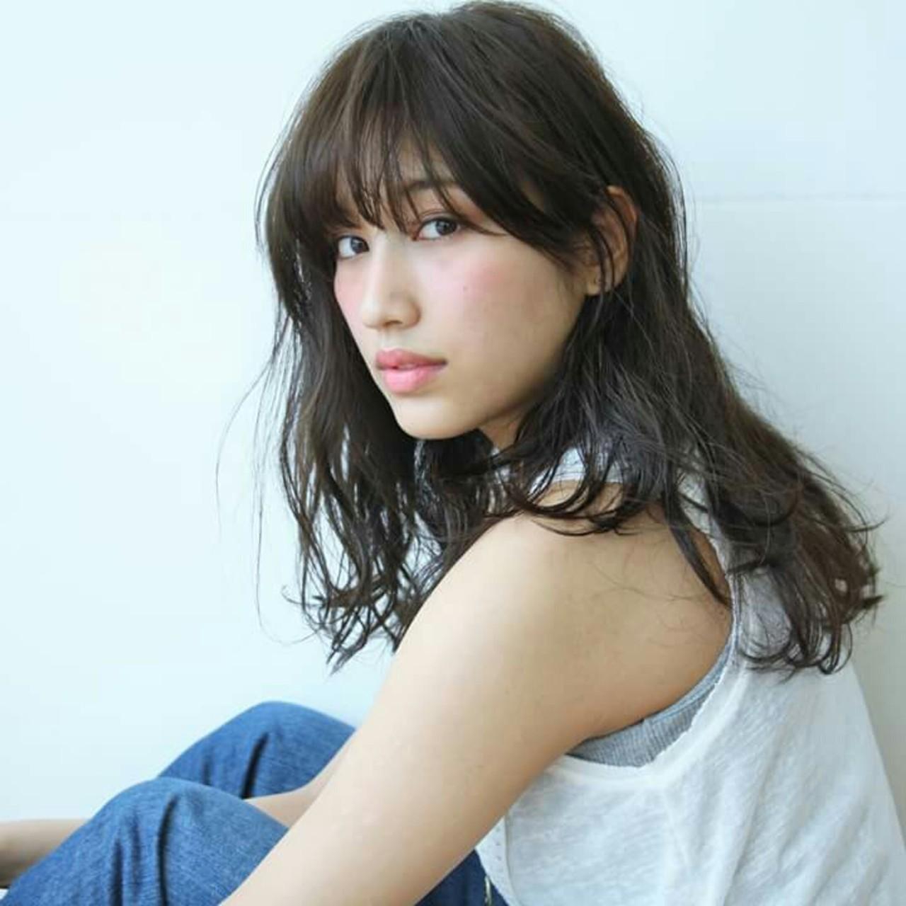 ゆるふわ 黒髪 大人女子 ニュアンス ヘアスタイルや髪型の写真・画像   Yukie Horiuchi / スパイスアヴェダ