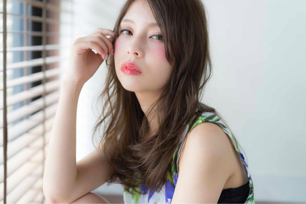 外国人風 アッシュ ナチュラル ゆるふわ ヘアスタイルや髪型の写真・画像 | 山口純一郎 / hair design Sola