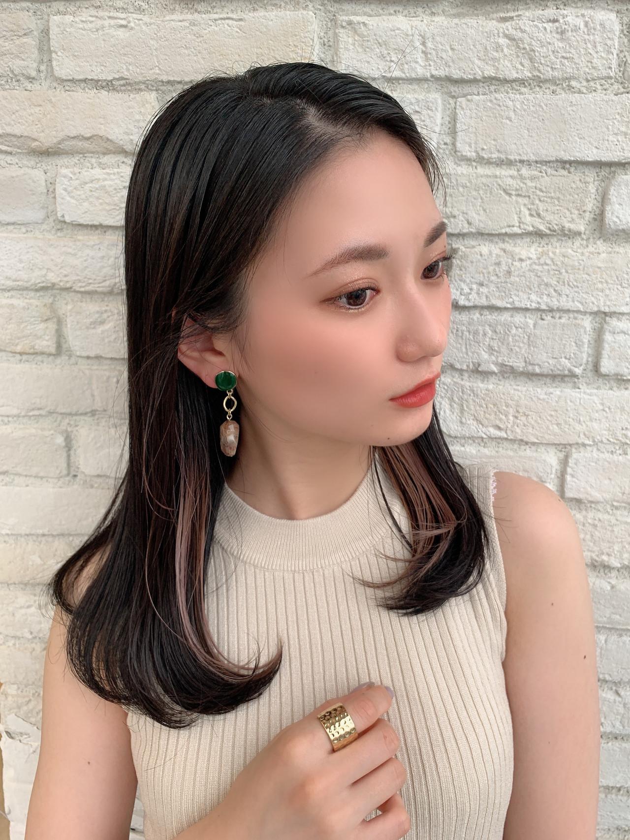 ロング インナーカラー 前髪インナーカラー フェミニン ヘアスタイルや髪型の写真・画像