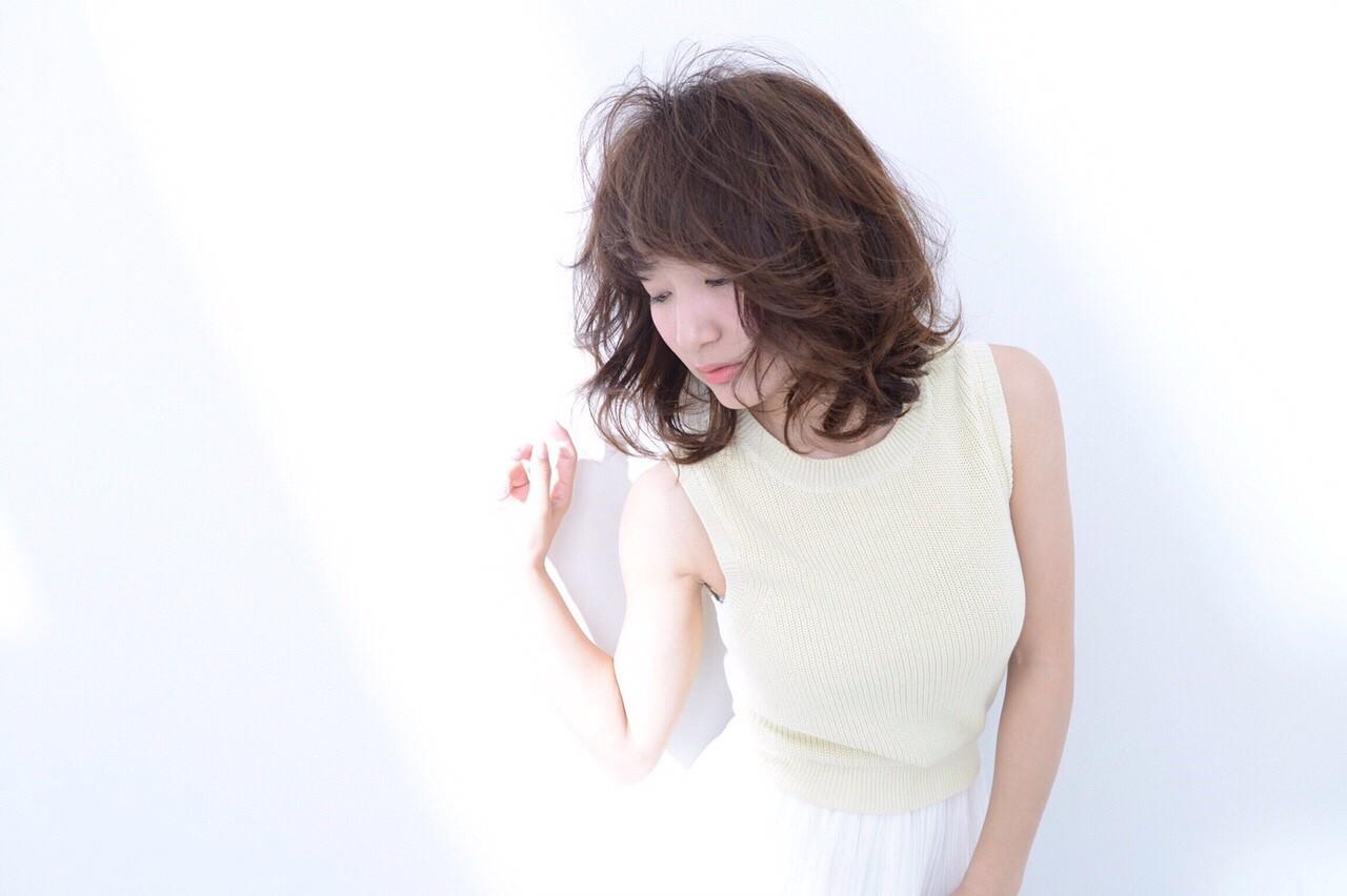 大人かわいい アッシュ ナチュラル 前髪あり ヘアスタイルや髪型の写真・画像 | 秋山 佳奈 /