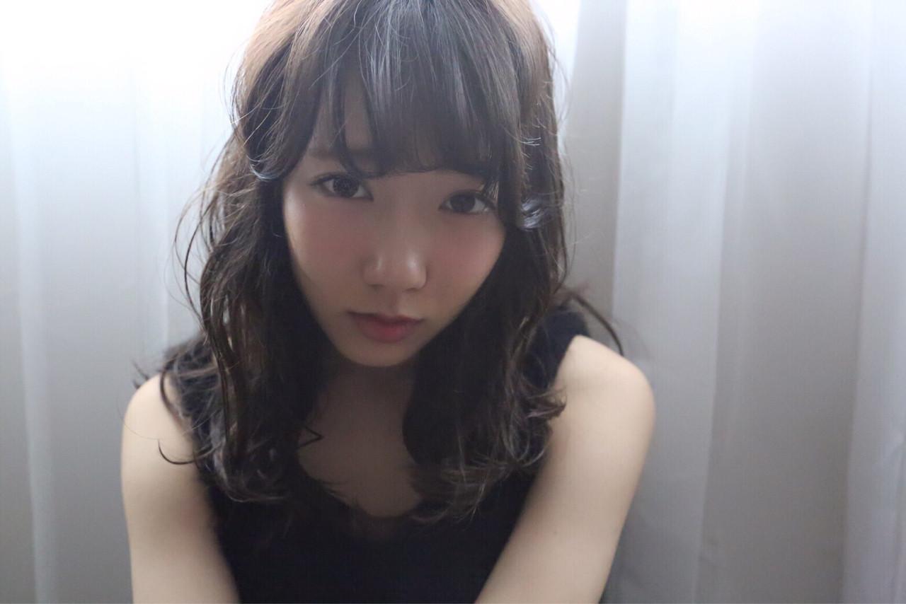パーマ 前髪あり ゆるふわ アッシュ ヘアスタイルや髪型の写真・画像 | riho /