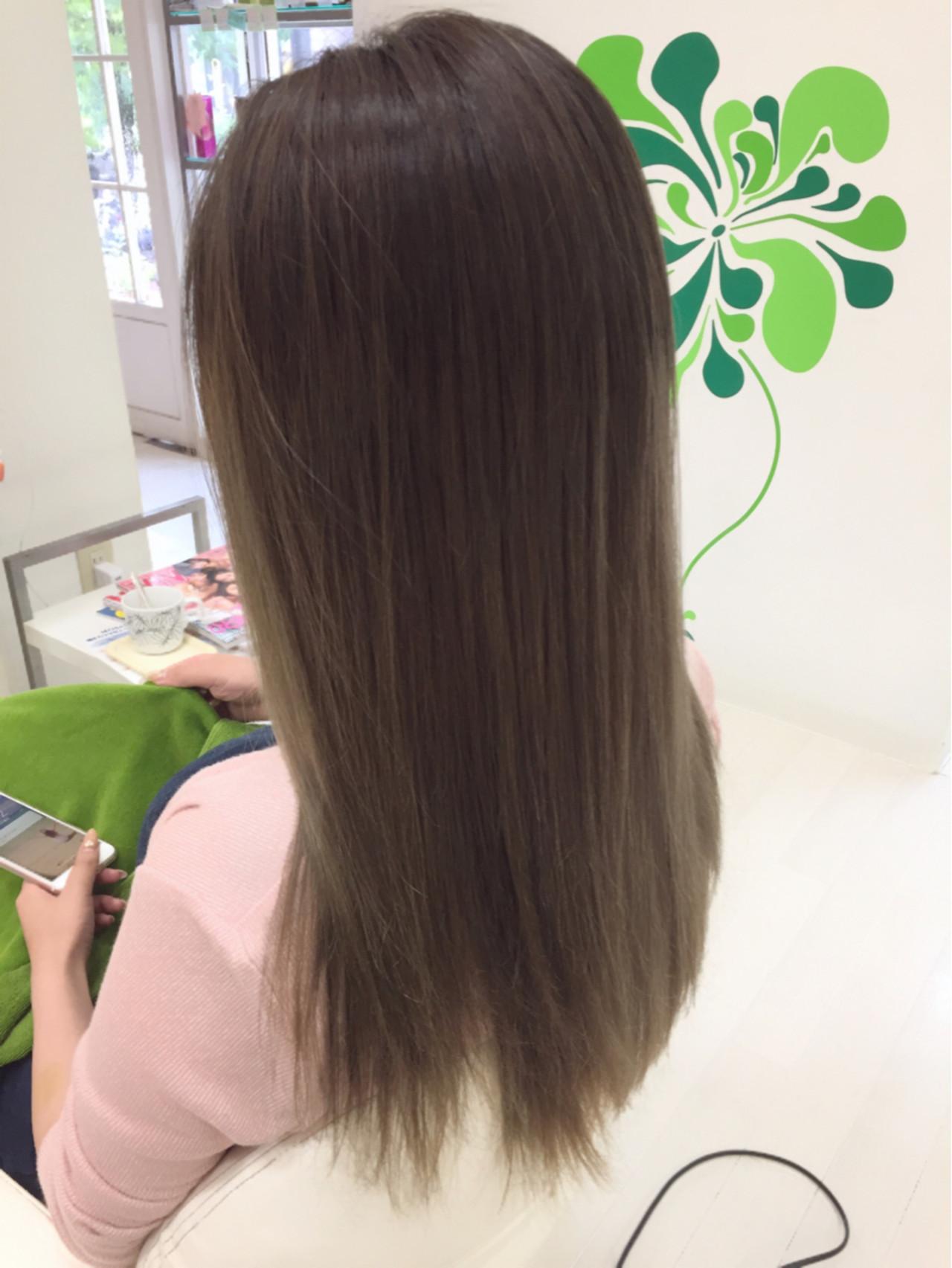 ナチュラル ロング グラデーションカラーヘアスタイルや髪型の写真・画像