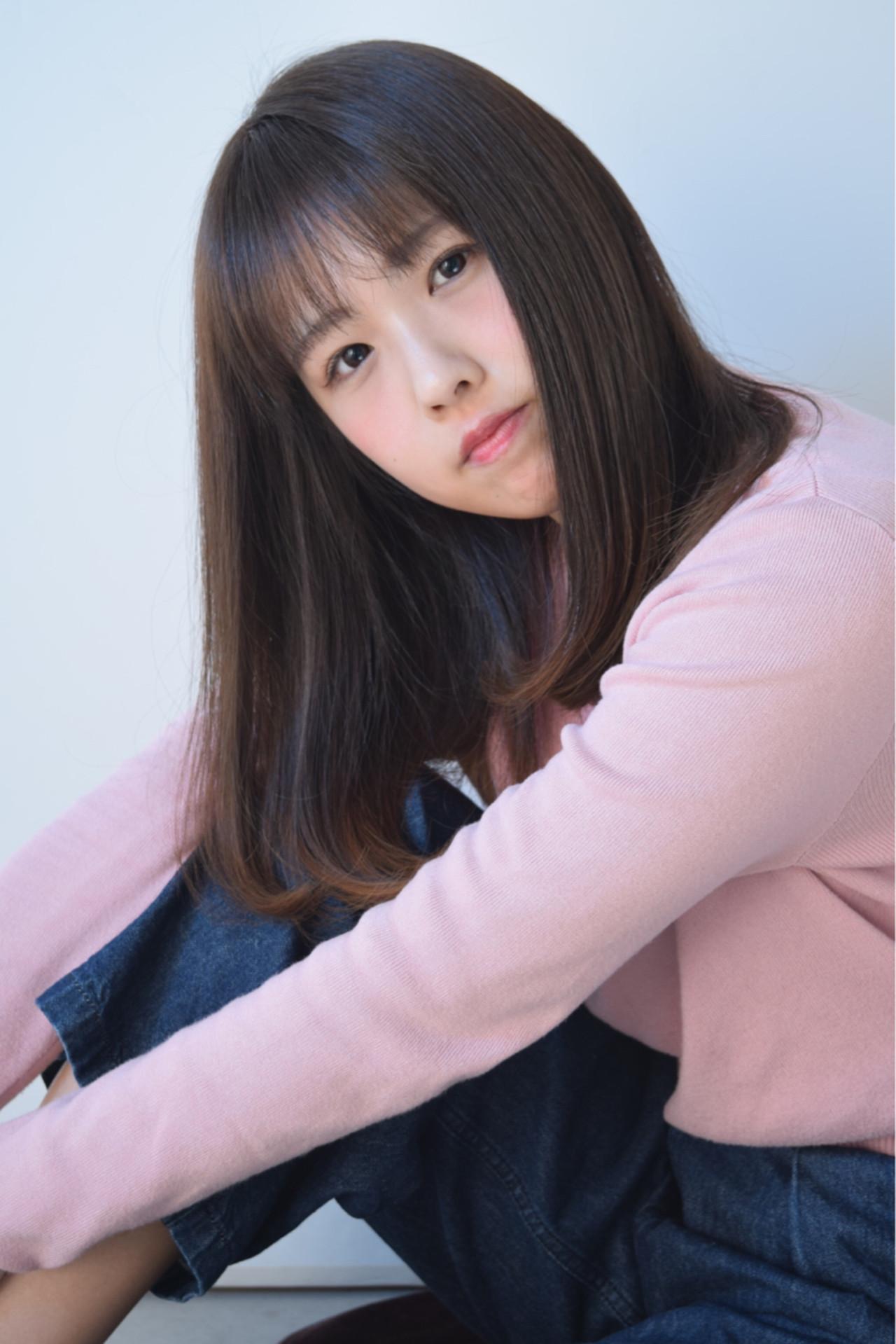 小顔 フリンジバング ニュアンス アッシュ ヘアスタイルや髪型の写真・画像   鈴木 謙太 / HAIRLOGY